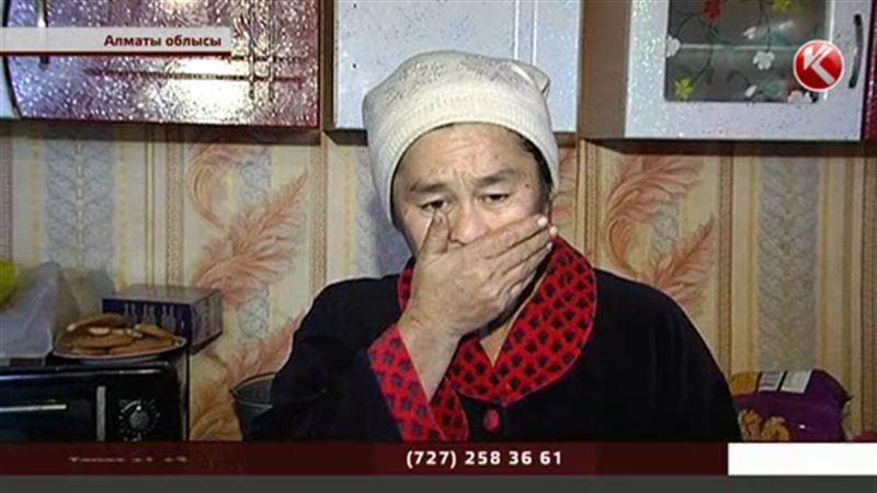 Алматы облысында нанға жарымай күнкөрісі қиындаған отбасыға жұрт жұмыла көмектесуде