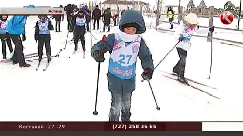 Для маленьких астанчан устроили турнир по зимним видам спорта