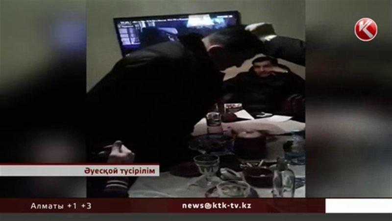 Әріптесін сабаған Мұхтар Тінекеев депутаттық  мандатынан айрылуы мүмкін