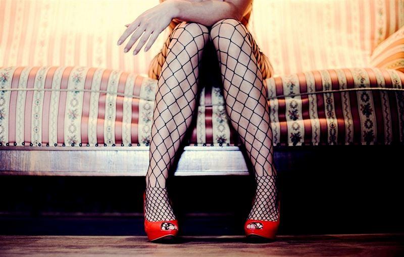 Платье, ножки и чулки: вебкам – неудобный «сюрприз» для полиции