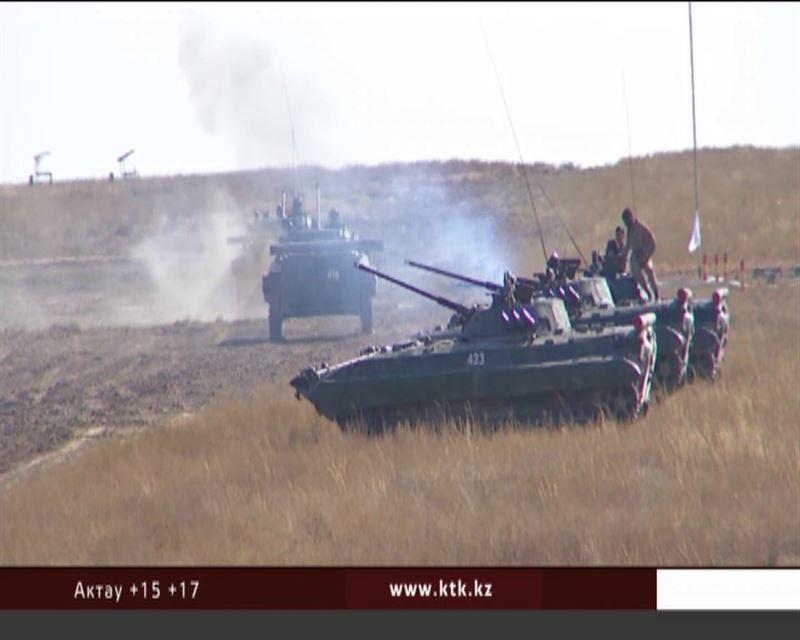 Министр обороны проверил Гвардейский и Сарыозекский гарнизоны
