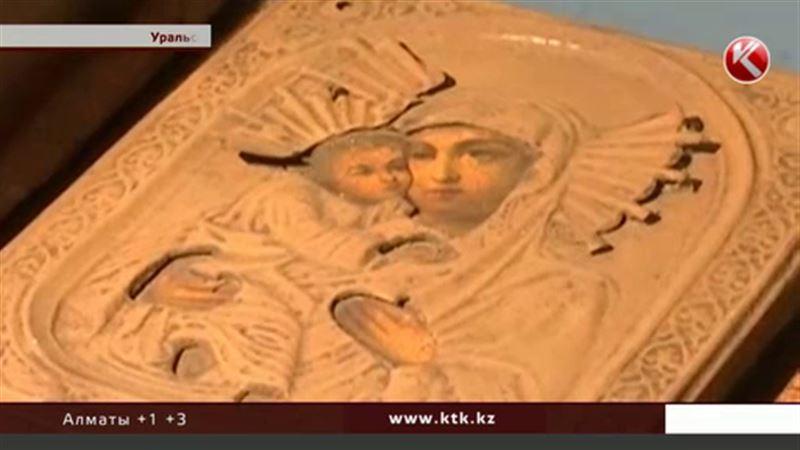 В Уральске поймали воров-эстетов, которые похищали старинные иконы