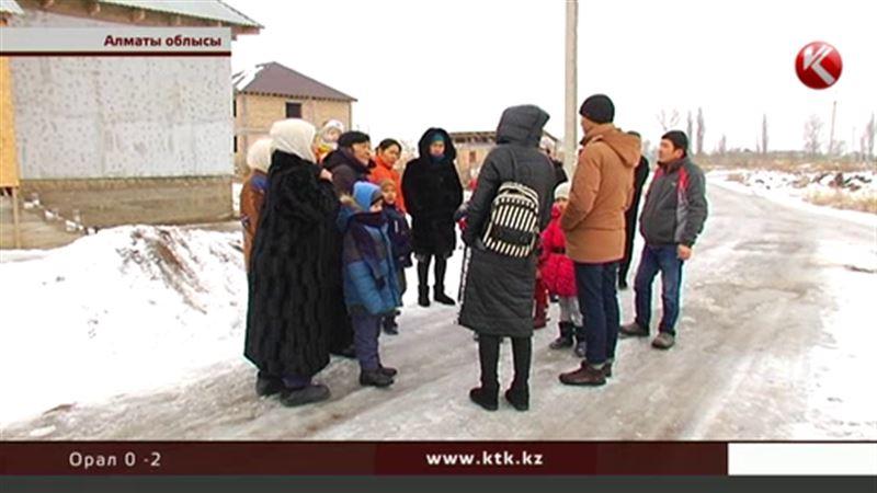 Алматы іргесіндегі ауыл тұрғындары  жылды тағы жарықсыз қарсы алды