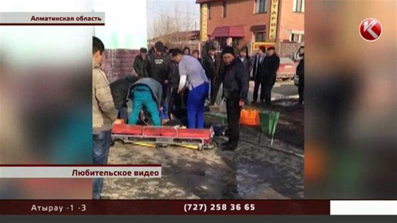 В Алматинской области мужчина скончался прямо у здания ЦОНа