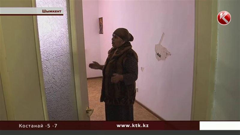 Дом по госпрограмме: стены покрылись трещинами, штукатурка обваливается