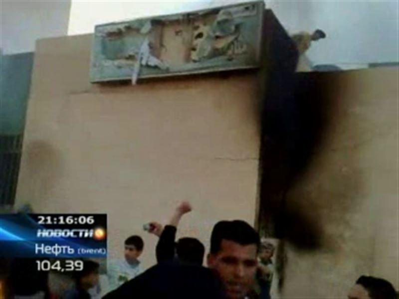 Ливия: противники режима Муаммара Каддафи продолжают захватывать стратегические объекты