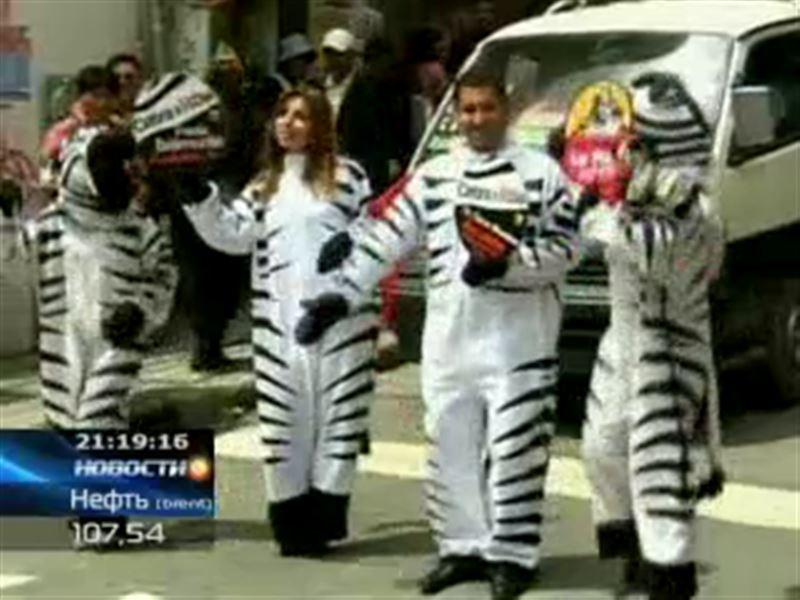 Чтобы напомнить водителям об осторожности, на улицы Боливии вышли «зебры»