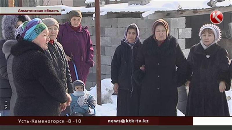 В селе близ Алматы из дома выходить нельзя – обворуют