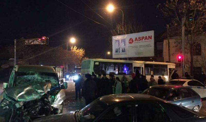 Жуткое ДТП в Шымкенте! Люди буквально вылетали из окон