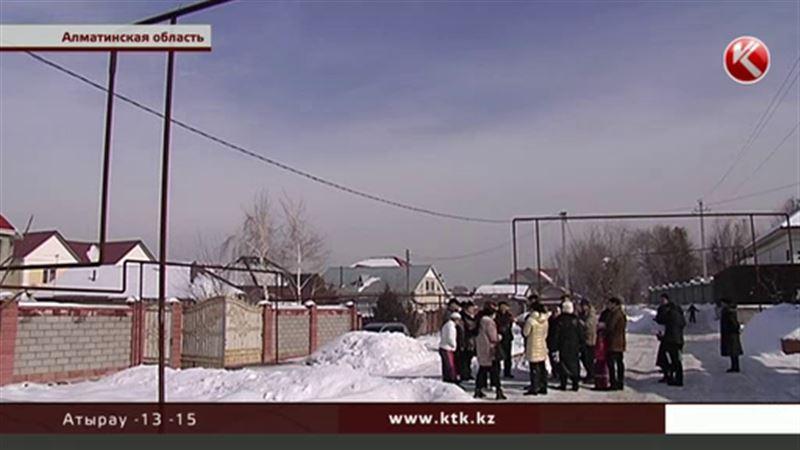 Жители села в Алматинской области замерзают в собственных домах