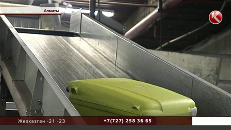 Сотрудники аэропорта Алматы обворовывали пассажиров