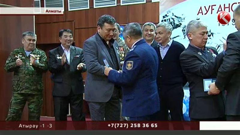 Воины-афганцы оценили боевую подготовку алматинских студентов