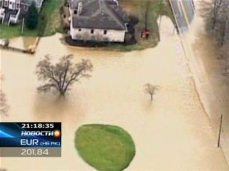 Жители Запада США приходят в себя после разгула стихии