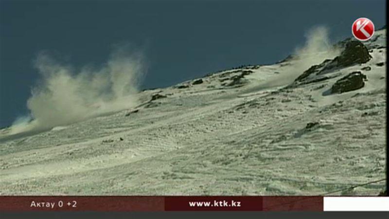 143 человека оказались под лавинами в окрестностях Алматы за 50 лет