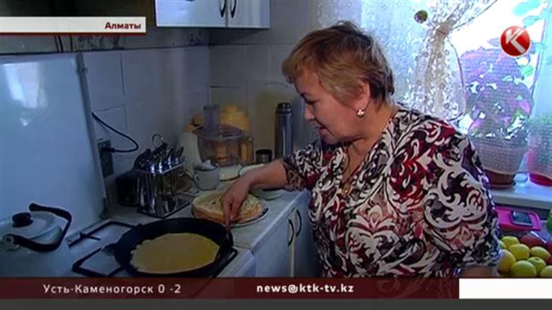 Страна встала у сковородок: казахстанские хозяйки делятся эксклюзивными рецептами блинов