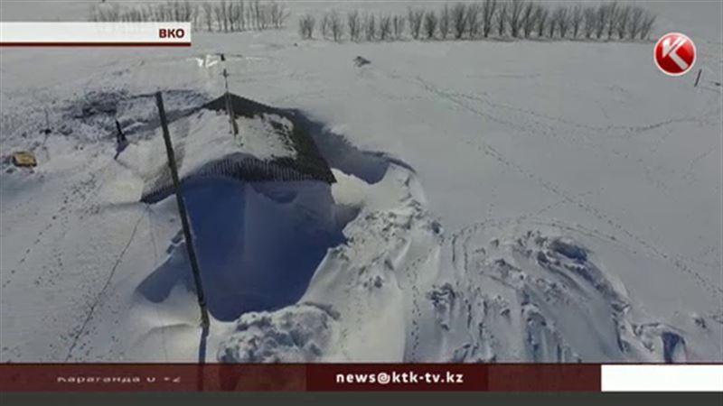 Восточноказахстанские сельчане роют тоннели, чтобы выбраться наружу