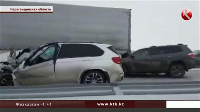 На трассе Караганда - Астана столкнулись сразу 10 машин
