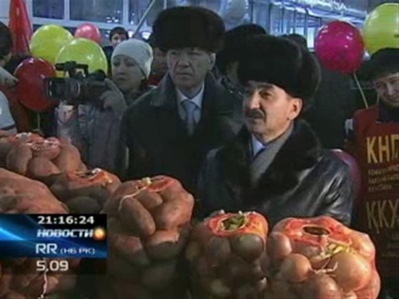 Жамбыл Ахметбеков сходил на рынок и поинтересовался ценами на овощи и фрукты