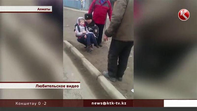 Полицейская машина, ехавшая «по правилам», прямо на «зебре» сбила ребенка