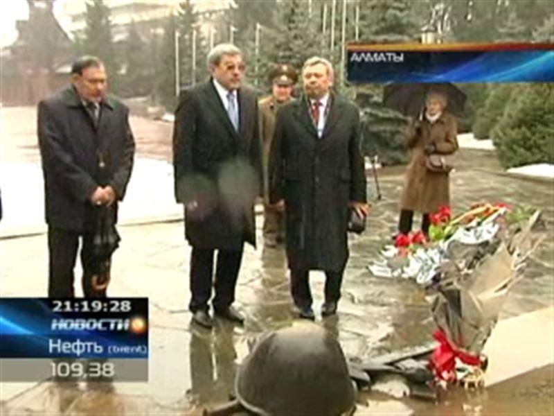 Гани Касымов побывал  в алматинском Доме офицеров