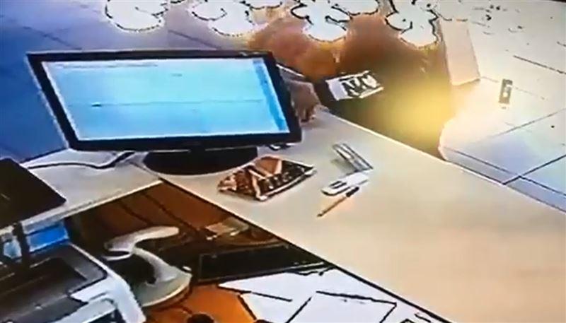 Женщина украла ящик с пожертвованиями в Актау