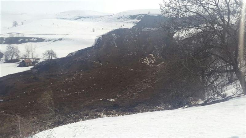 Семья из шести человек погибла под оползнем на юге Кыргызстана