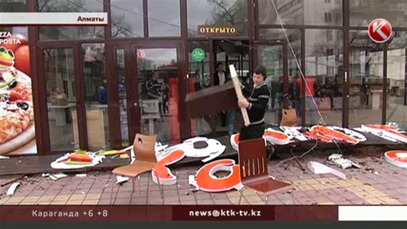 Власти Алматы начали масштабную борьбу против незаконных построек