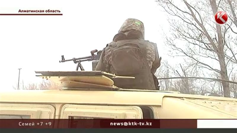 В Алматинской области военные практикуются в принуждении к миру