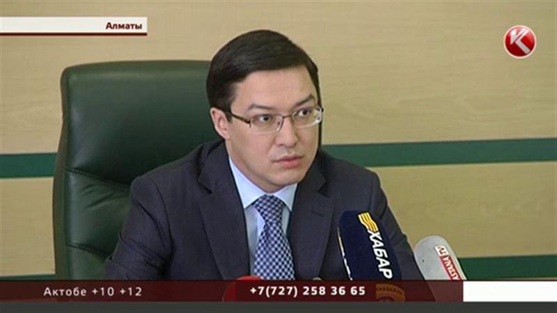 По информации Акишева, каждый пятый казахстанец ждет укрепления тенге