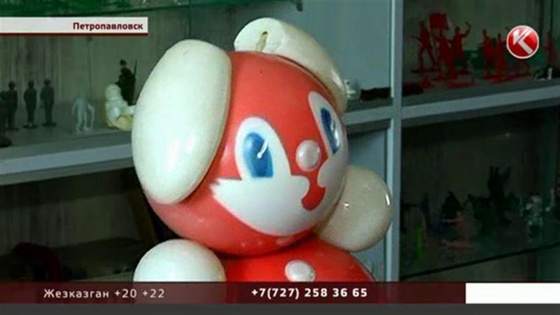 Пластмассовых кукол и плюшевых мишек советской эпохи можно увидеть в Петропавловске