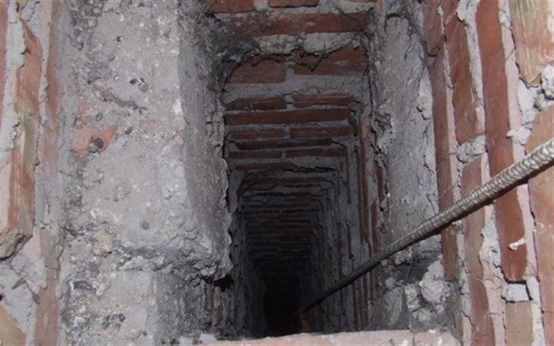 Рабочий упал в вентиляционную шахту в Усть-Каменогорске