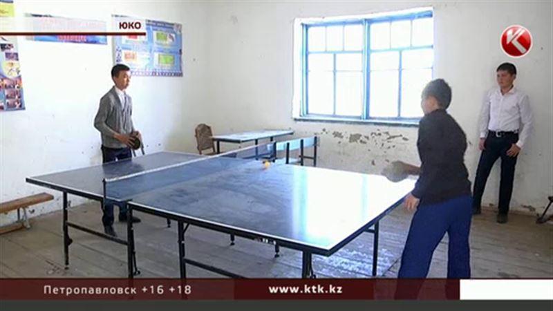 В Южном Казахстане 400 детей учатся в общежитии для советских хлопкоробов