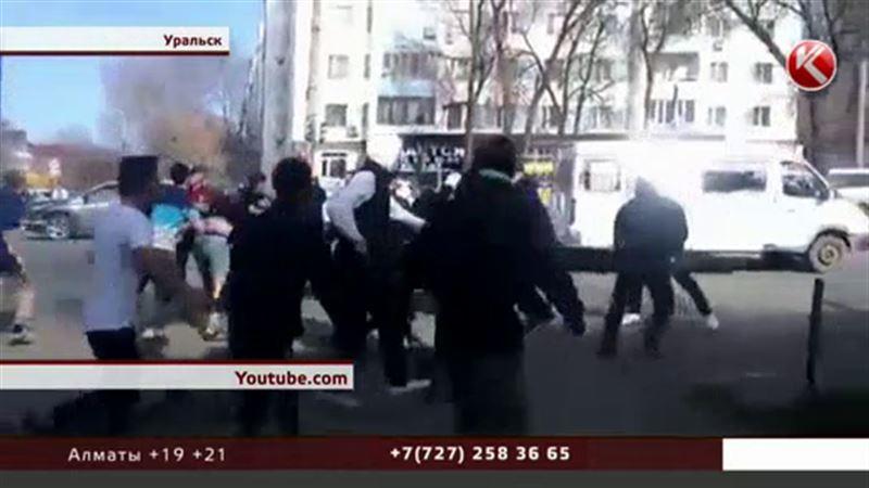 В Уральске после массовой драки задержали актюбинских болельщиков
