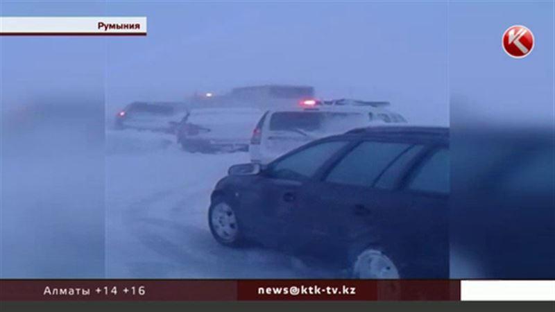 Бір топ қазақстандық жас шахматшылар Румыния жолында қар құрсауынан құтқарылды