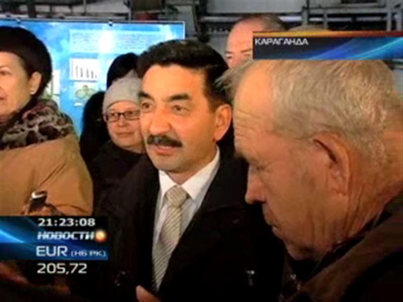 Жамбыл Ахметбеков посетил машиностроительный завод в Караганде