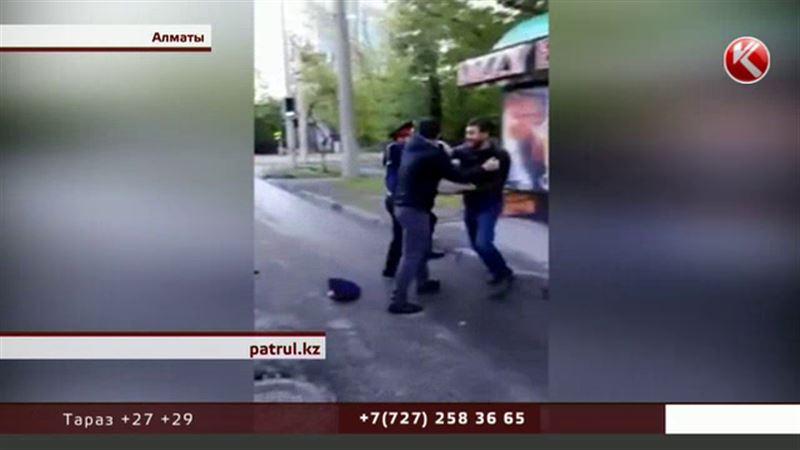 Напавший на полицейского водитель уже не работает в акимате Алматы