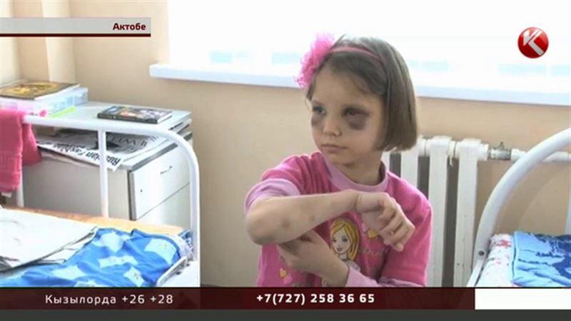 То, как чудовищно мачеха издевалась над семилетней девочкой, шокировало актюбинцев