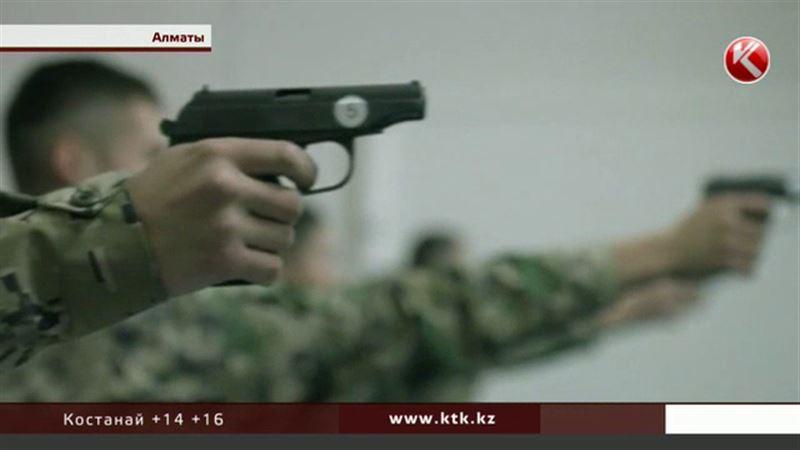 Десять похищенных пистолетов Макарова нашли у водителя Академии Погранслужбы