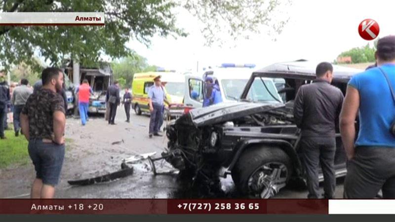 Пострадавшие в аварии автобуса и «Гелендвагена» идут на поправку