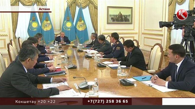 Президент провел расширенное заседание с главами правоохранительных органов