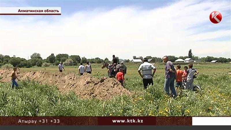 В Алматинской области пастбище и часть погоста оказались в частных руках
