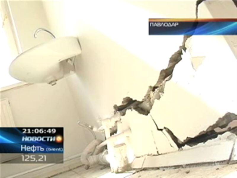 Под угрозой обрушения новая больница в Павлодарской области
