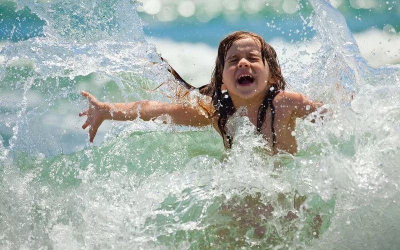 Купание по правилам: как вести себя на воде