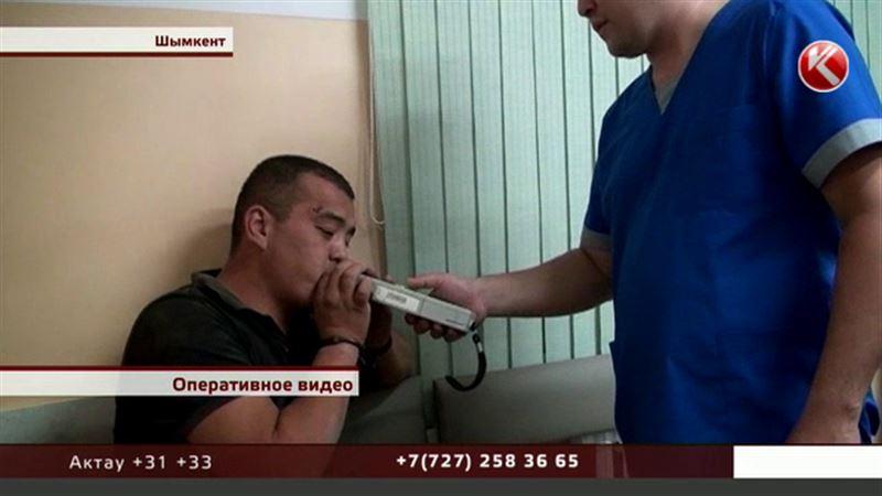 В Шымкенте избили полицейских