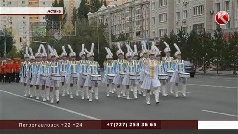 Астана принимает поздравления и встречает гостей