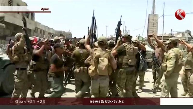 Ирак әскері тұңғыш мәрте әндетіп, биледі