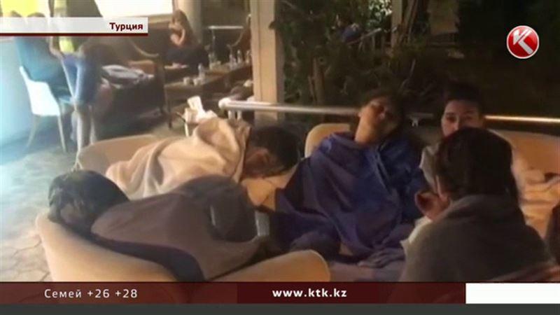 «Это не передать словами» - казахстанские туристы о «потрясающей» ночи в Турции