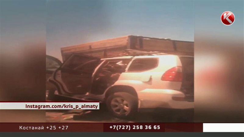 Авария в Южном Казахстане унесла жизни советника акима и депутата