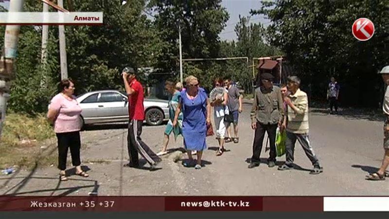 Алматинцы требуют оградить опасный пустырь, где погиб мужчина