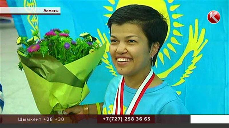 Казахстанская Дюймовочка с триумфом вернулась из Канады